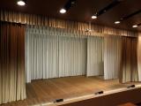 Feimaņu kultūras namā jauni skatuves aizkari